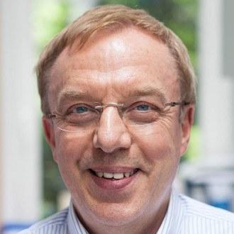 Dr. Andreas Degenhardt