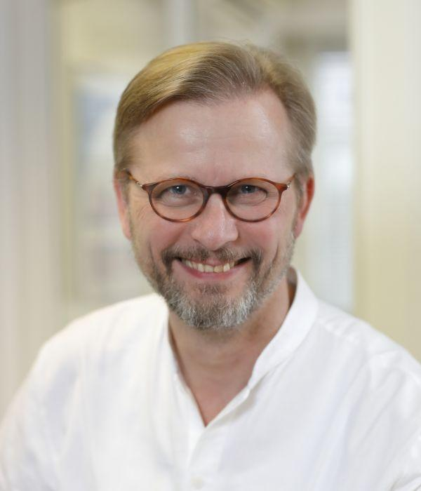Dr. Andreas Montag