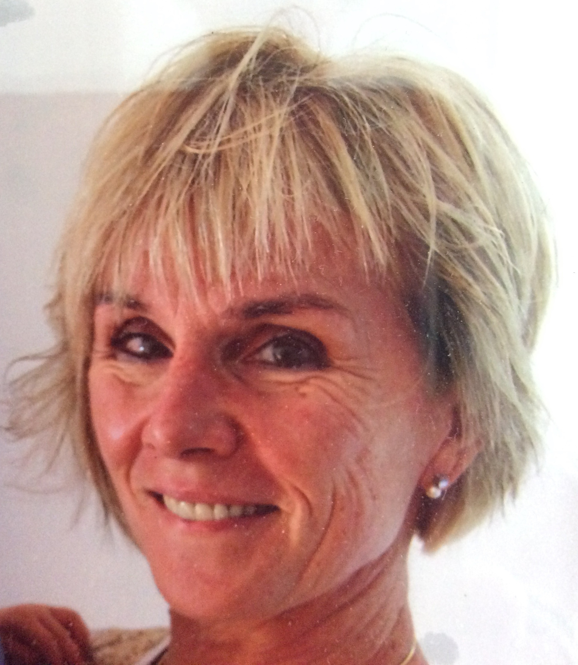 Frau Sabine Beckmann